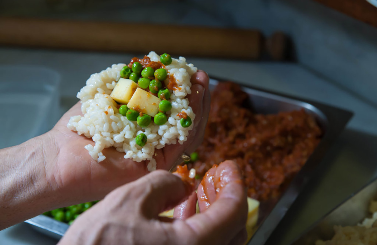 Come riempire gli arancini di riso