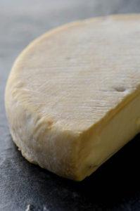 Il formaggio franco/valdostano reblochon per la tartiflette.