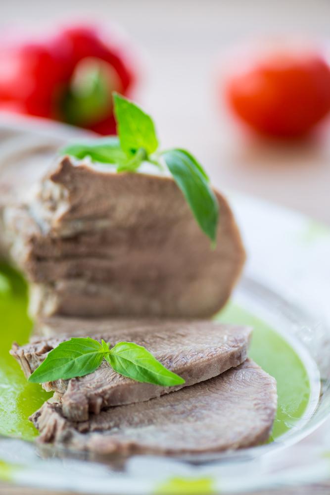 Lingua in salsa verde