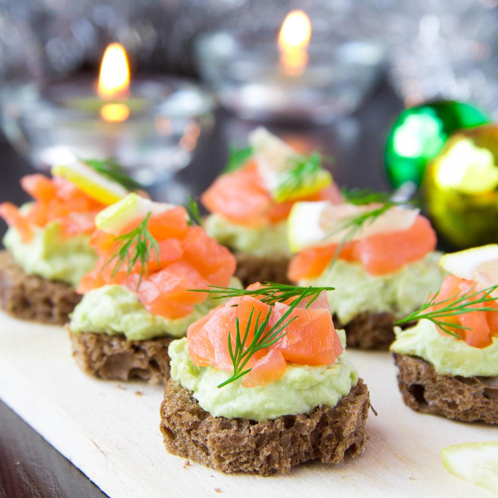 crostini di salmone con avocado